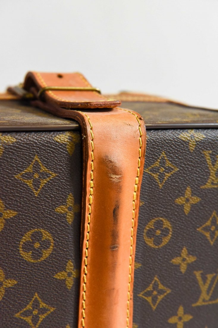 LOUIS VUITTON SUITCASE - 3