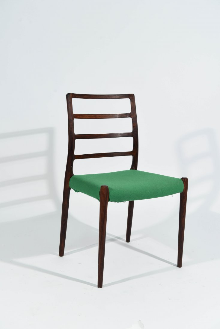 (1) MOLLER ROSEWOOD DINING CHAIR