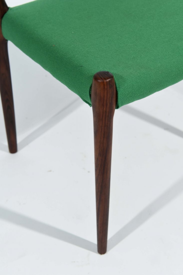 (1) MOLLER ROSEWOOD DINING CHAIR - 4
