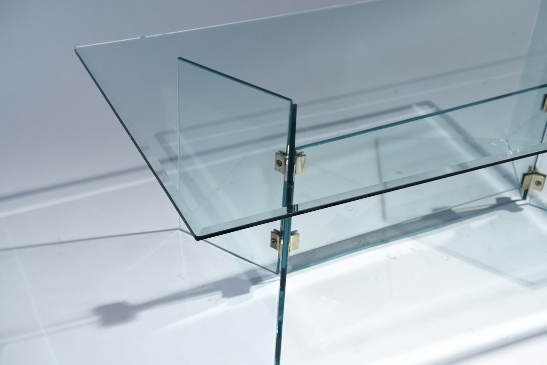 PACE STYLE GLASS COFFEE TABLE - 6