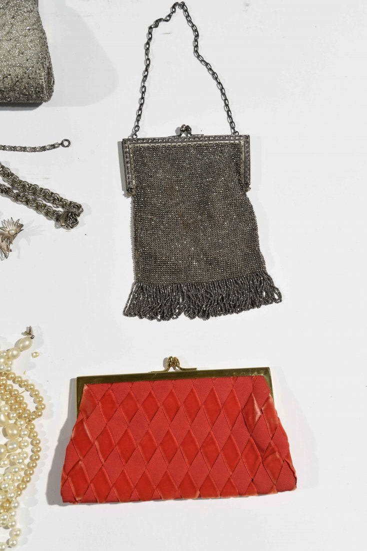 GROUPING OF VINTAGE PURSES AND COSTUME JEWELRY - 4
