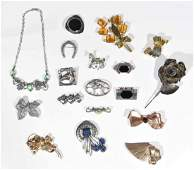 GOLD & STERLING SILVER JEWELRY GROUPING