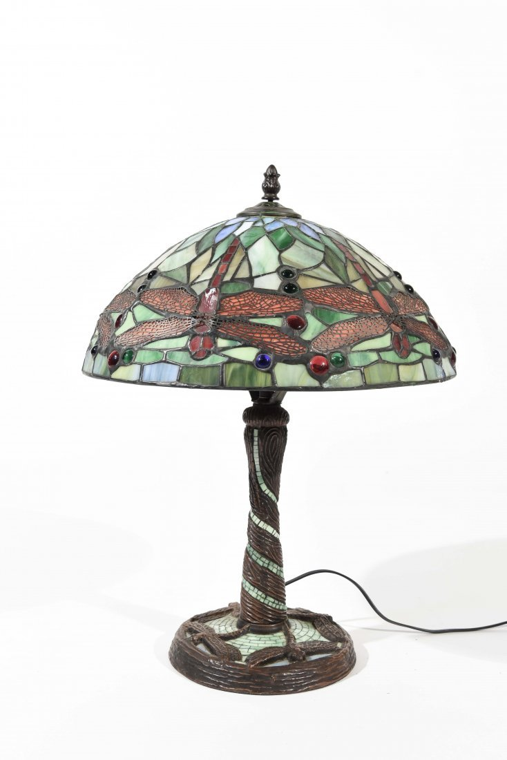 LATE 20TH C. STAINED GLASS LAMP