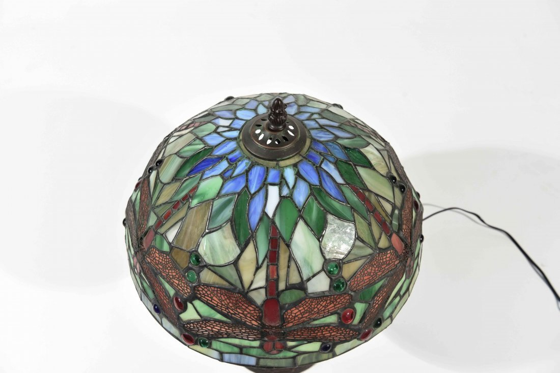 LATE 20TH C. STAINED GLASS LAMP - 8