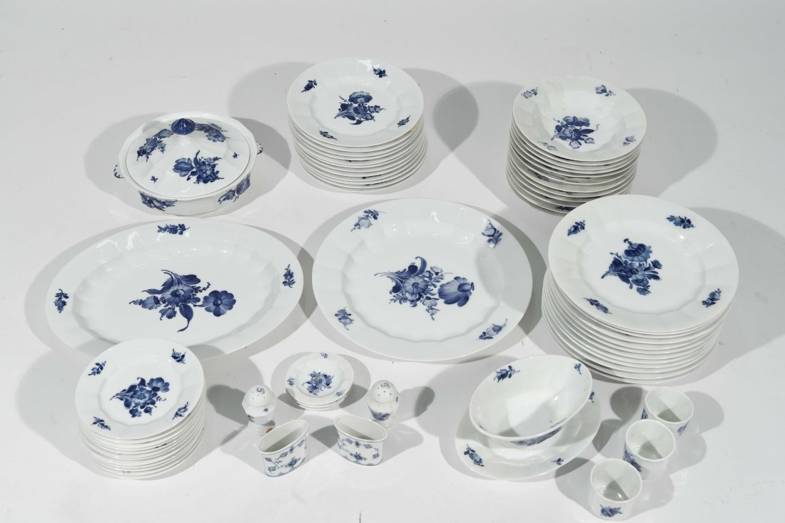 ROYAL COPENHAGEN PORCELAIN DINNER SERVICE