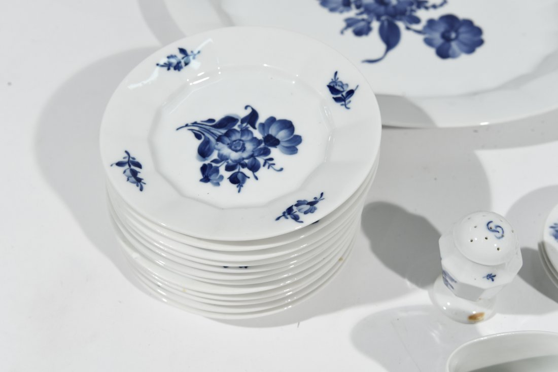 ROYAL COPENHAGEN PORCELAIN DINNER SERVICE - 2