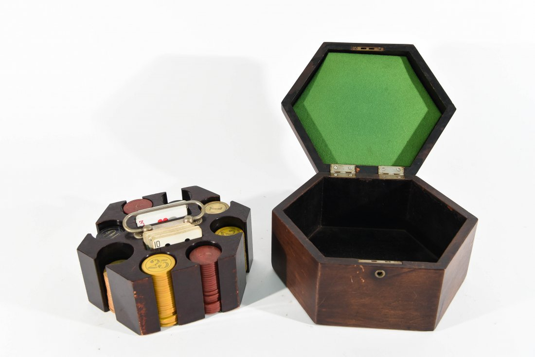 VINTAGE POKER CHIP GAMING SET - 4