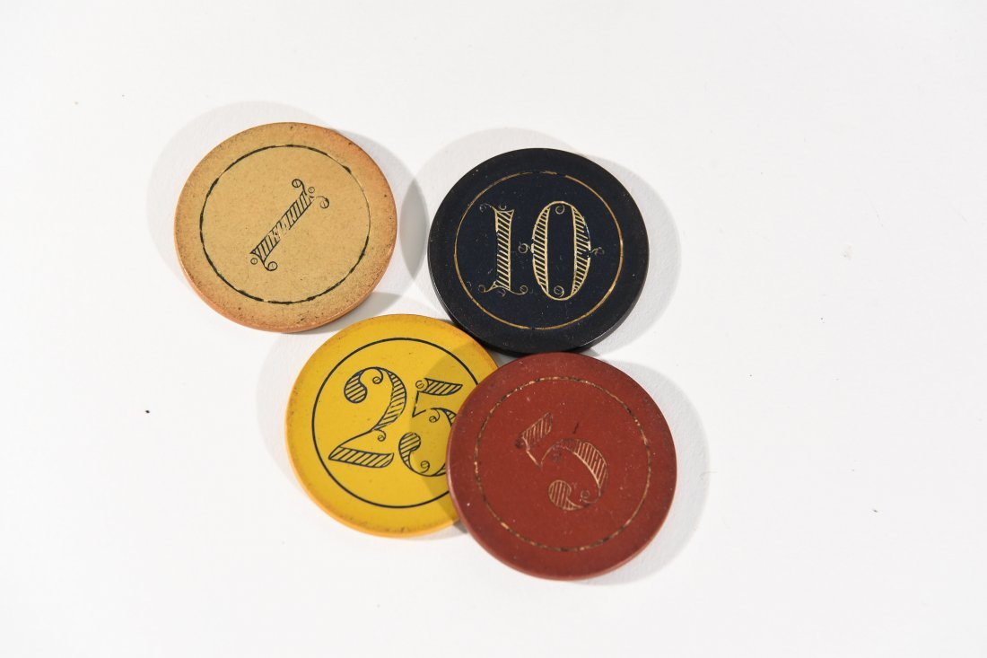 VINTAGE POKER CHIP GAMING SET - 5
