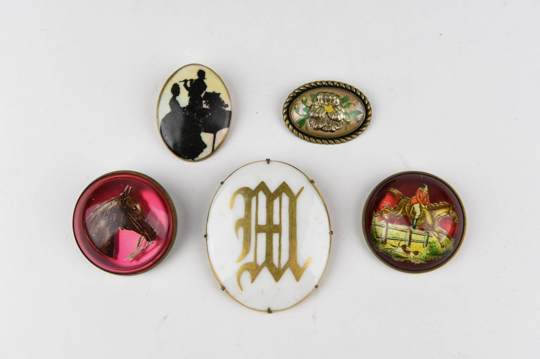 GROUP OF VINTAGE BROOCHES