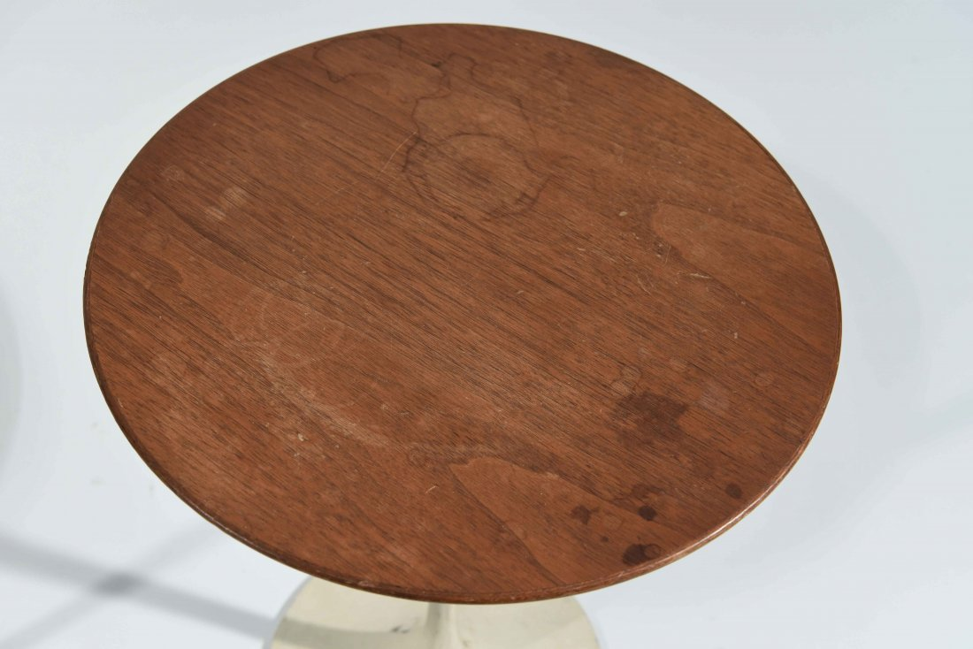 PAIR OF EERO SAARINEN FOR KNOLL WALNUT SIDE TABLES - 4