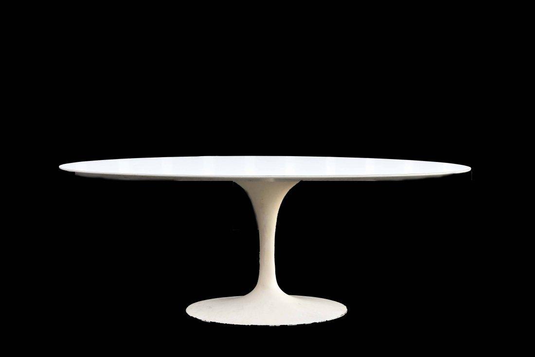 EERO SARRINEN OVAL TABLE