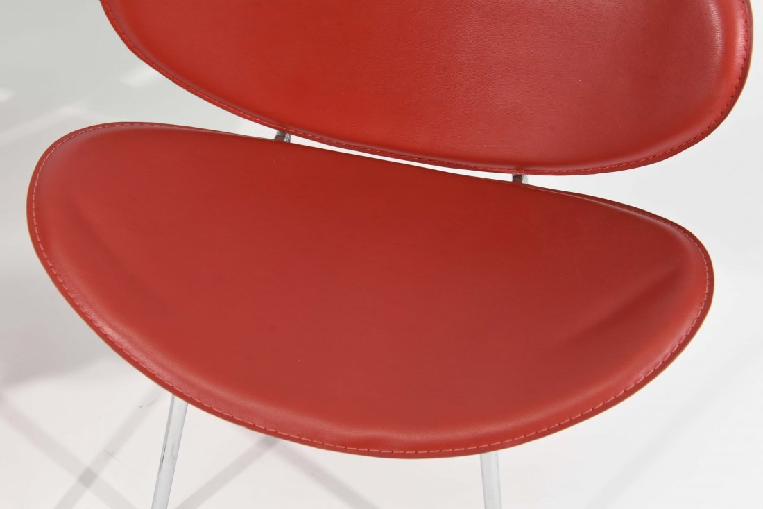 PAIR OF MID-CENTURY STYLE CLAM CHAIRS - 2