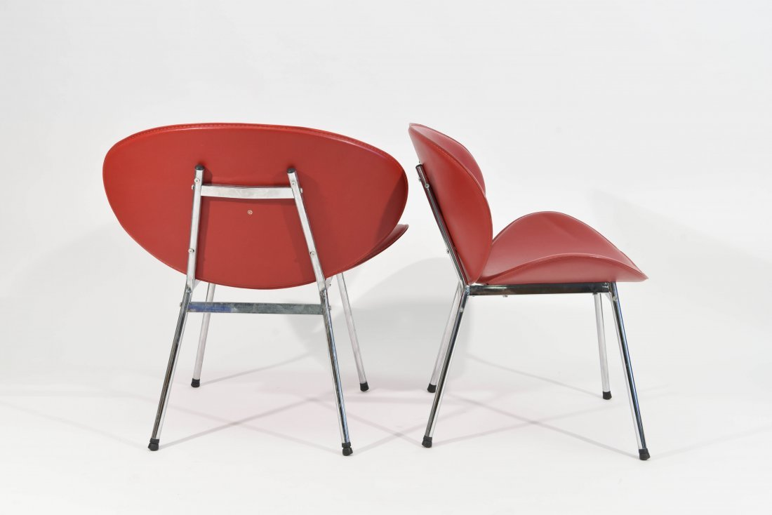 PAIR OF MID-CENTURY STYLE CLAM CHAIRS - 4