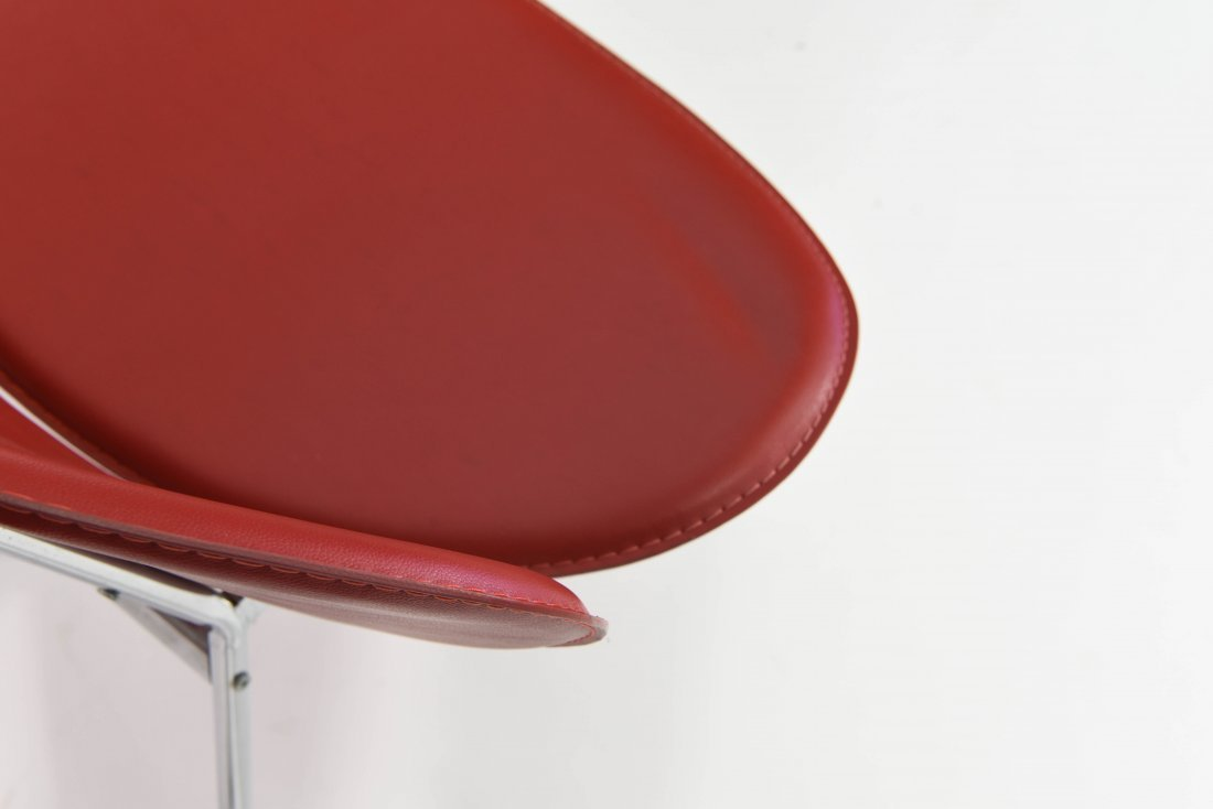 PAIR OF MID-CENTURY STYLE CLAM CHAIRS - 6