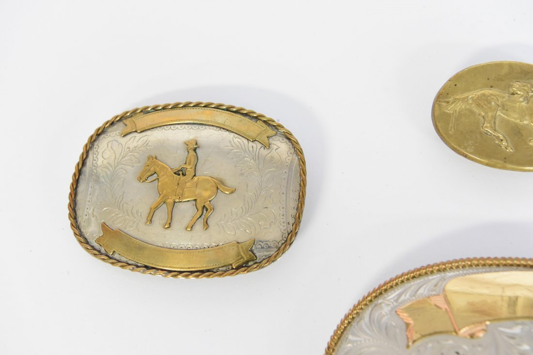 GROUPING OF WESTERN BELT BUCKLES W/ HORSES - 5