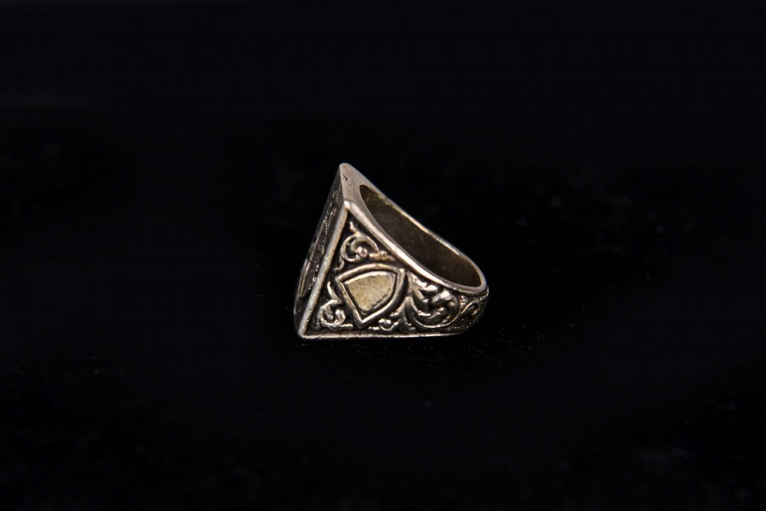 SILVER SIGNET CREST RING - 2