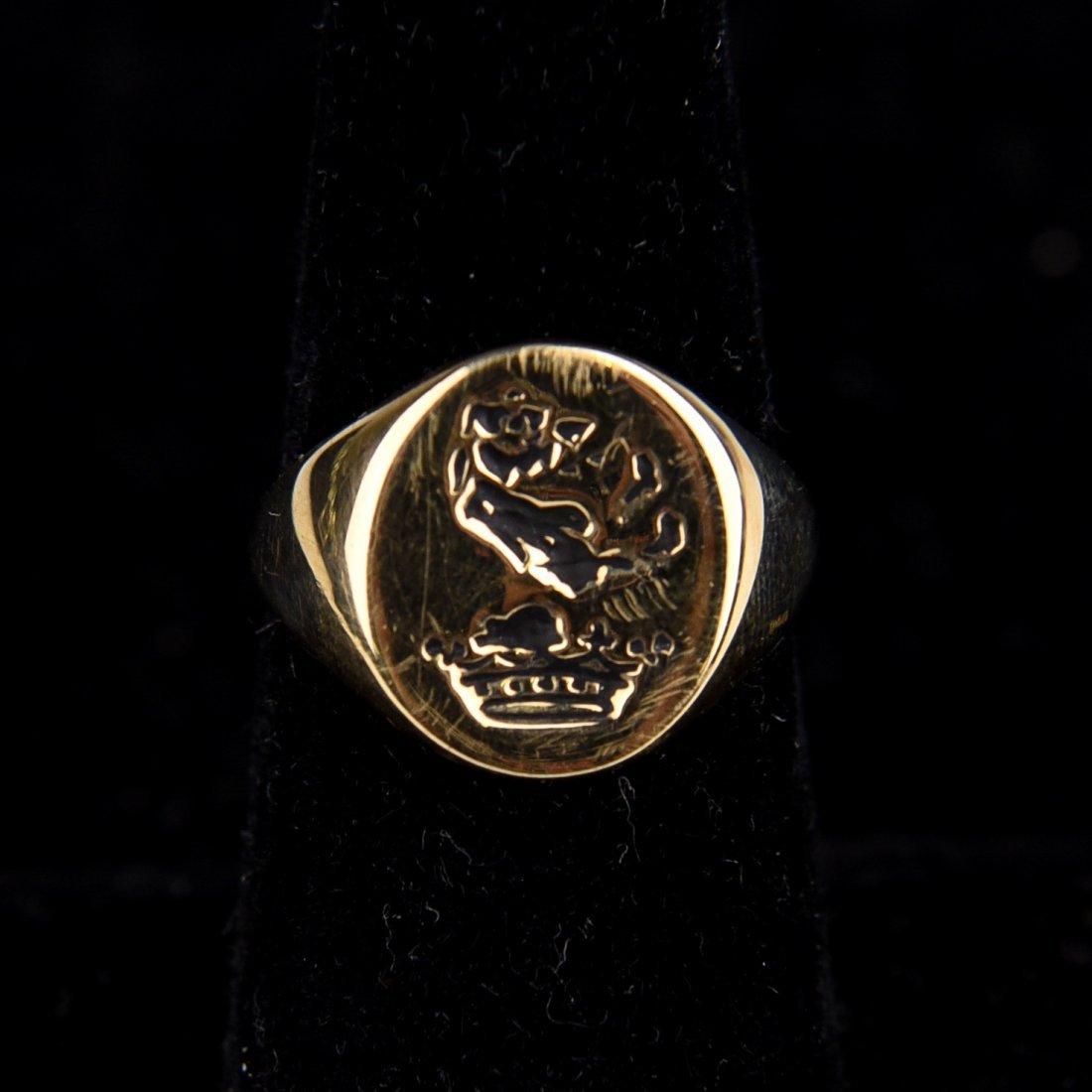 GOLD SIGNET CREST RING