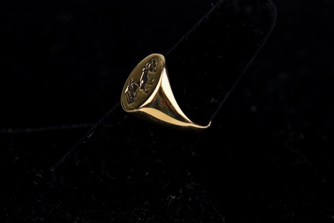 GOLD SIGNET CREST RING - 2