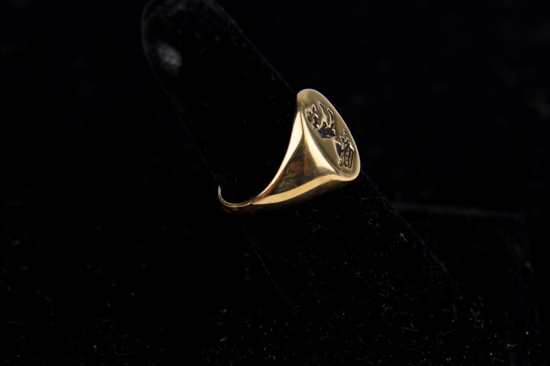 GOLD SIGNET CREST RING - 3
