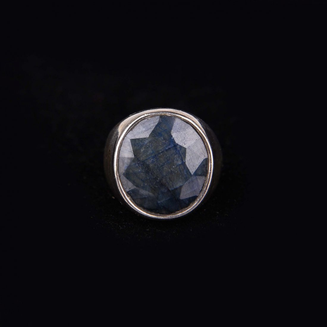 SILVER RING WITH FACETED DRUZY OR AGATE