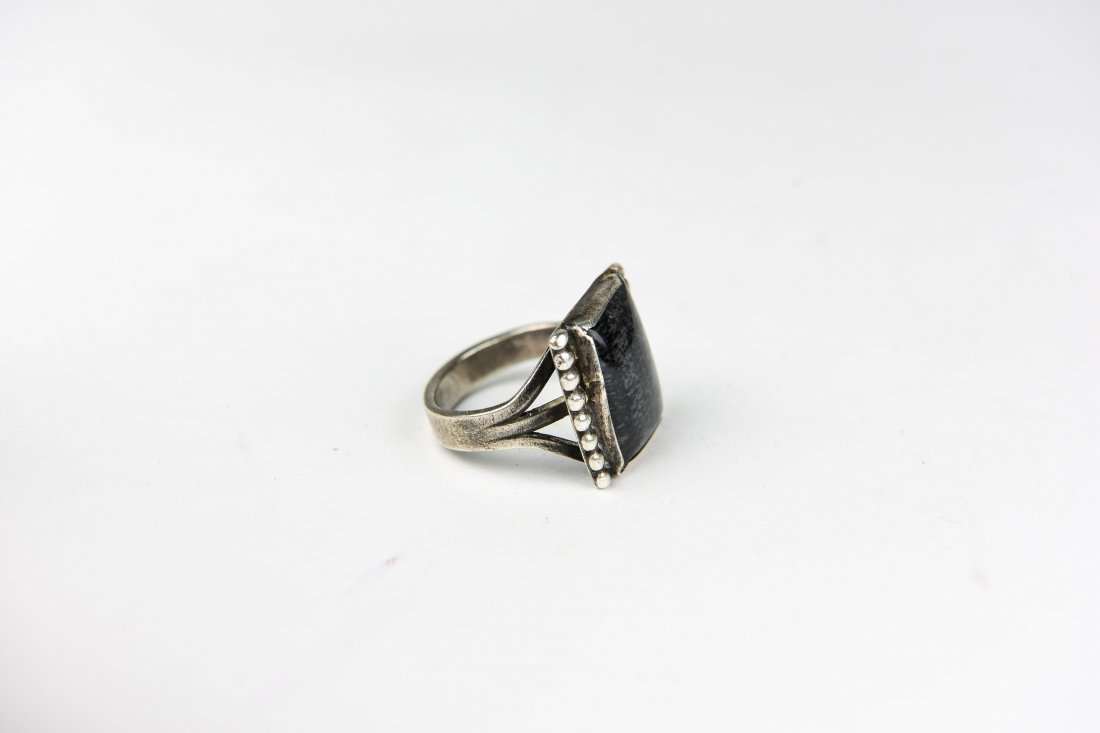 STERLING AND MOSS AGATE RING - 4