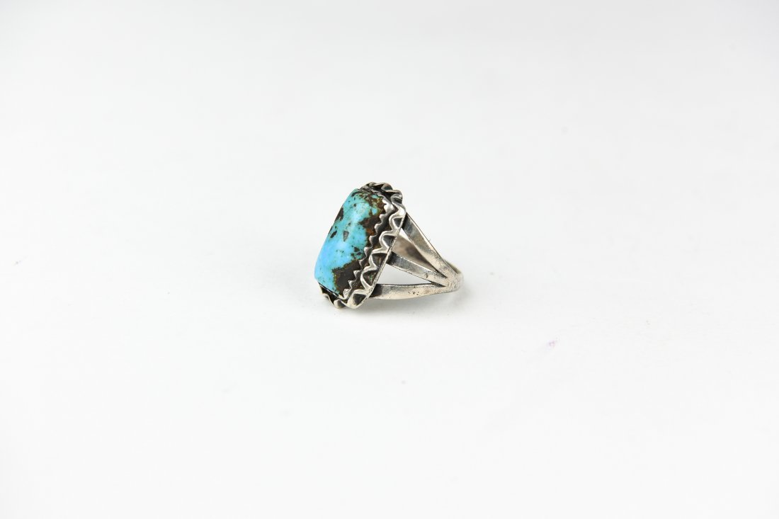 NATIVE AMERICAN STERLING AND TURQUOISE RING - 2