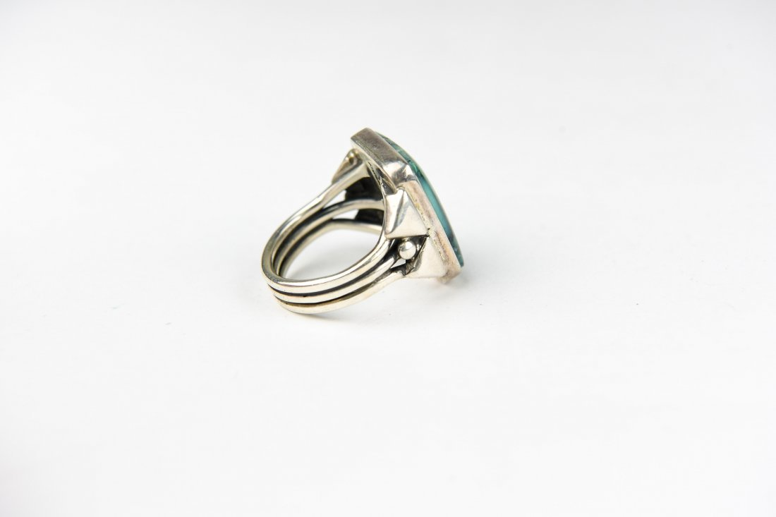 NAVAJO STERLING AND TURQUOISE RING - 4