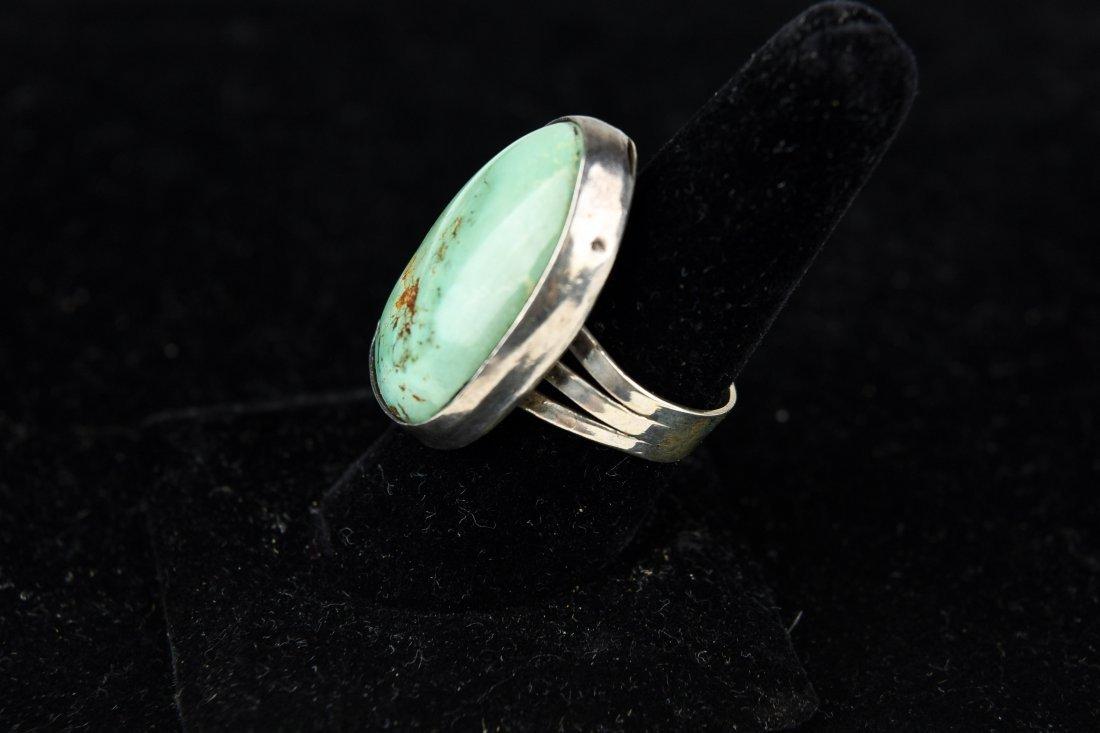 STERLING AND TURQUOISE RING - 3