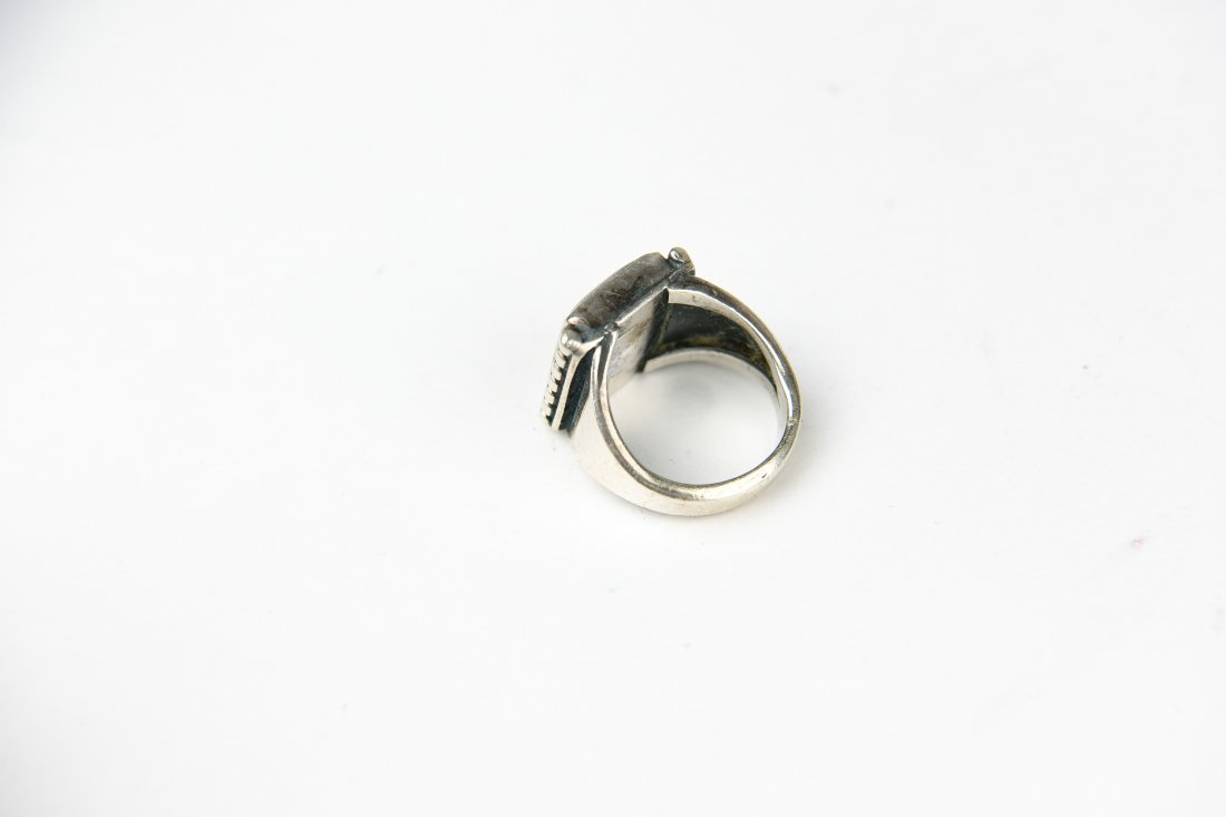 STERLING AND AGATE RING - 5