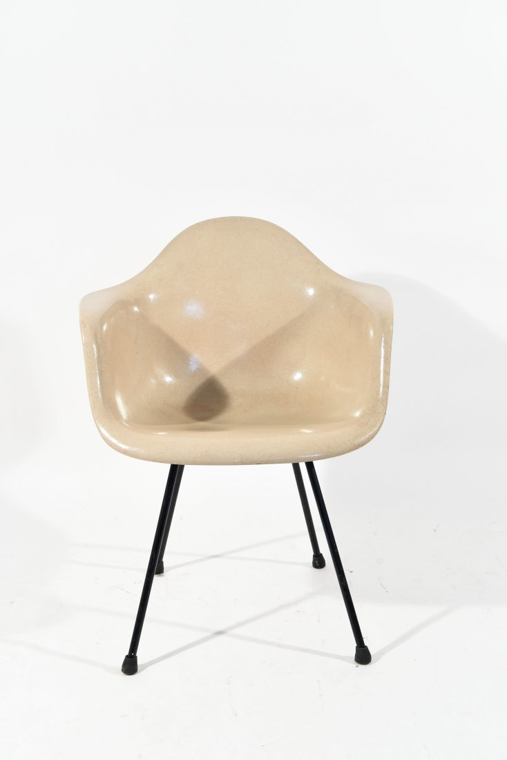 CHARLES & RAY EAMES SHELL CHAIR