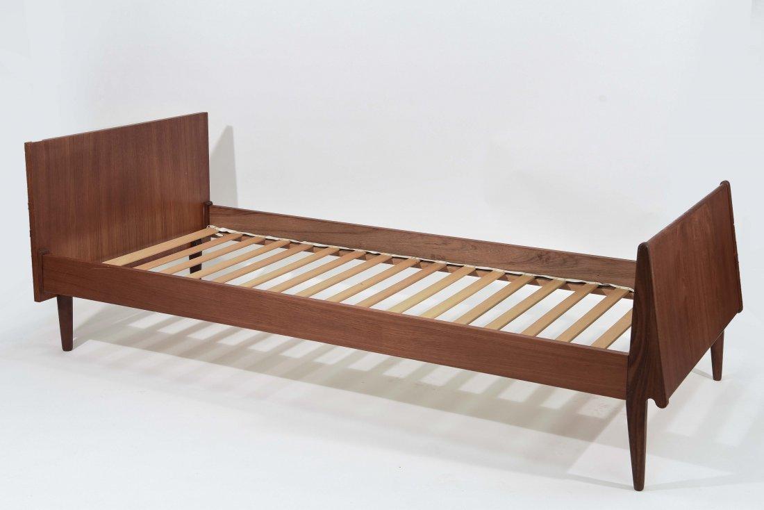 1960'S DANISH TEAK GUEST BED
