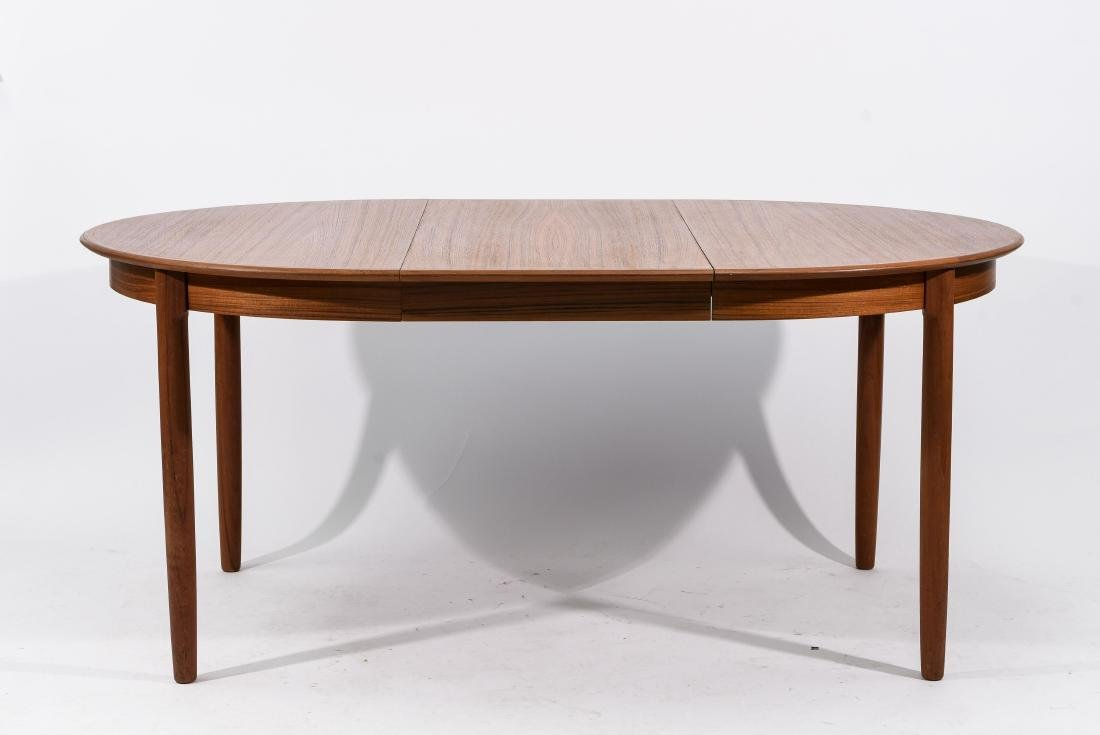 DANISH TEAK DINING TABLE WITH 2 LEAVES