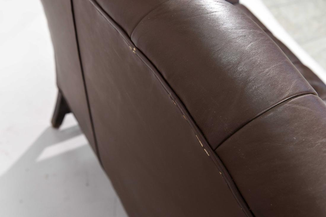CHESTERFIELD STYLE LEATHER SETTEE - 7