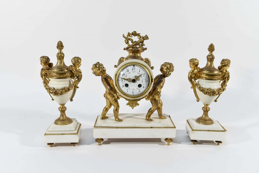 MARBLE AND BRASS CLOCK SET WITH URNS
