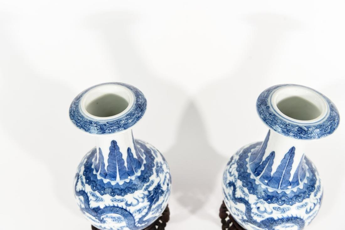 PAIR OF CHINESE VASES WITH BLUE AND WHITE MOTIF - 3
