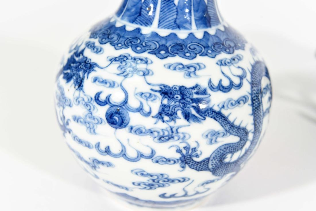 PAIR OF CHINESE VASES WITH BLUE AND WHITE MOTIF - 7