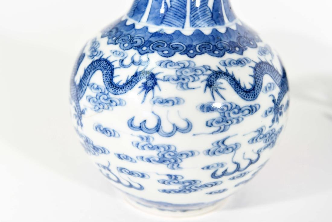 PAIR OF CHINESE VASES WITH BLUE AND WHITE MOTIF - 8
