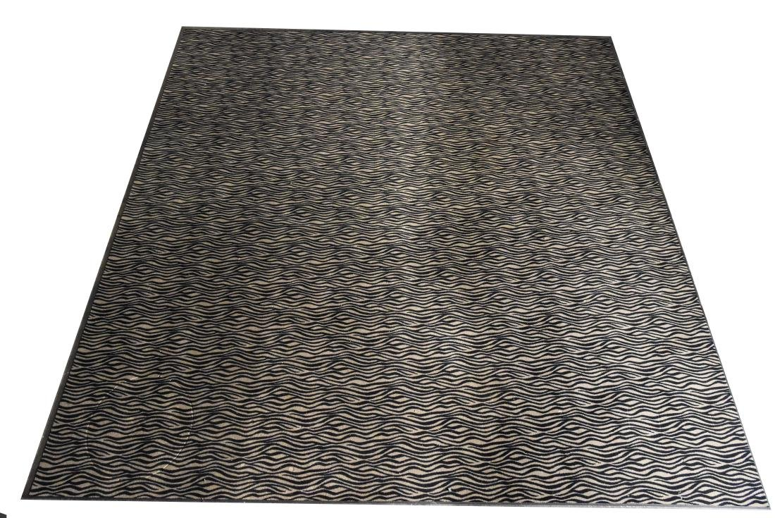 LARGE CONTEMPORARY HIDE PATTERN RUG