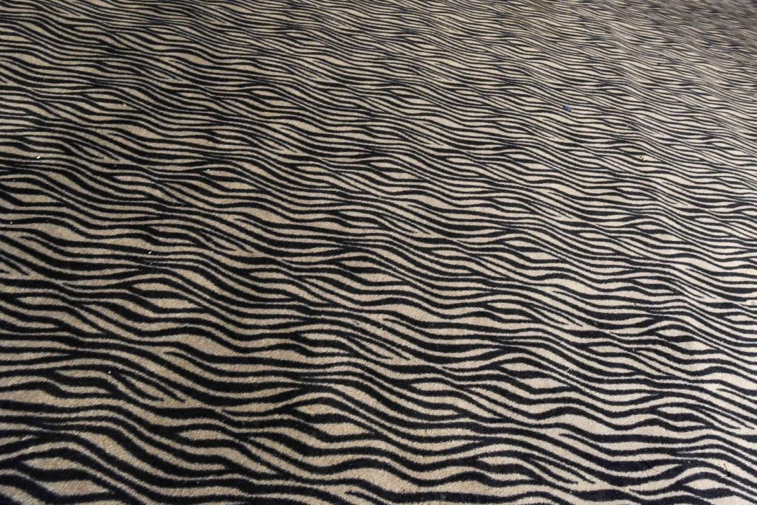LARGE CONTEMPORARY HIDE PATTERN RUG - 3