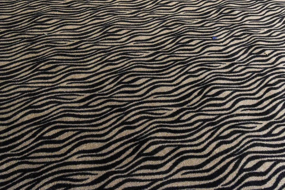 LARGE CONTEMPORARY HIDE PATTERN RUG - 4