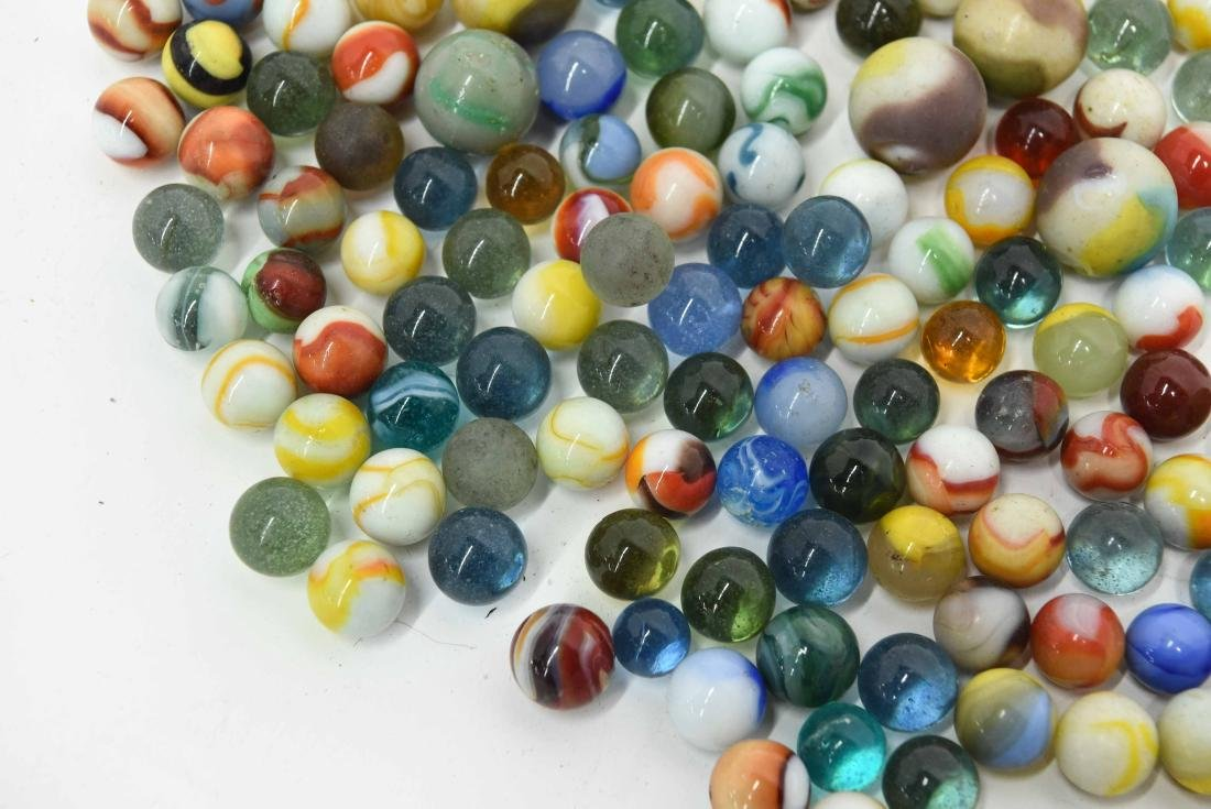 COLLECTION OF VINTAGE & ANTIQUE MARBLES - 5