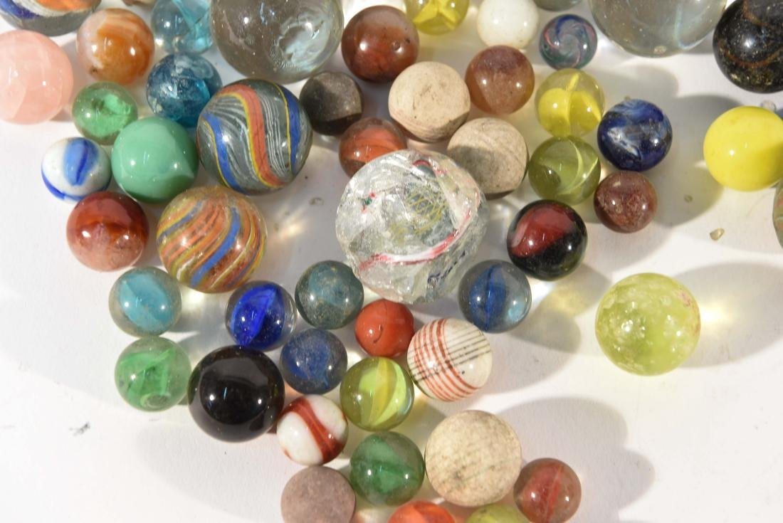 COLLECTION OF VINTAGE & ANITQUE MARBLES - 2