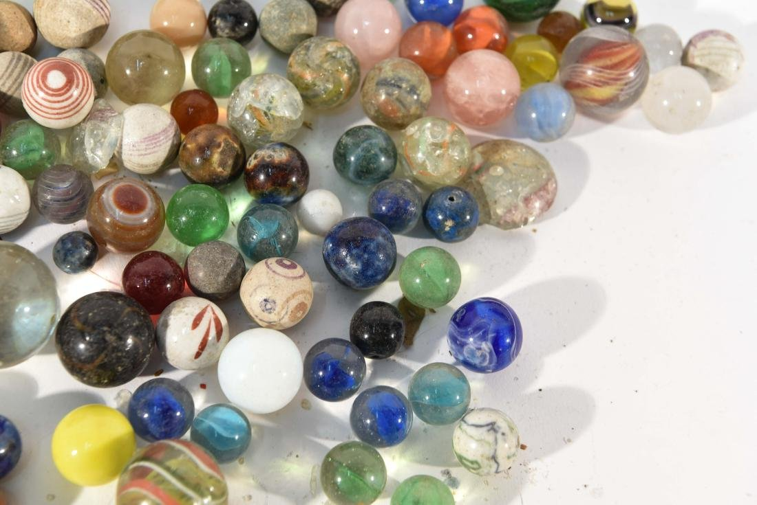 COLLECTION OF VINTAGE & ANITQUE MARBLES - 4