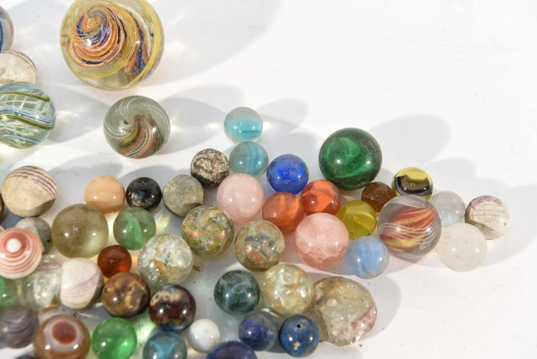 COLLECTION OF VINTAGE & ANITQUE MARBLES - 5