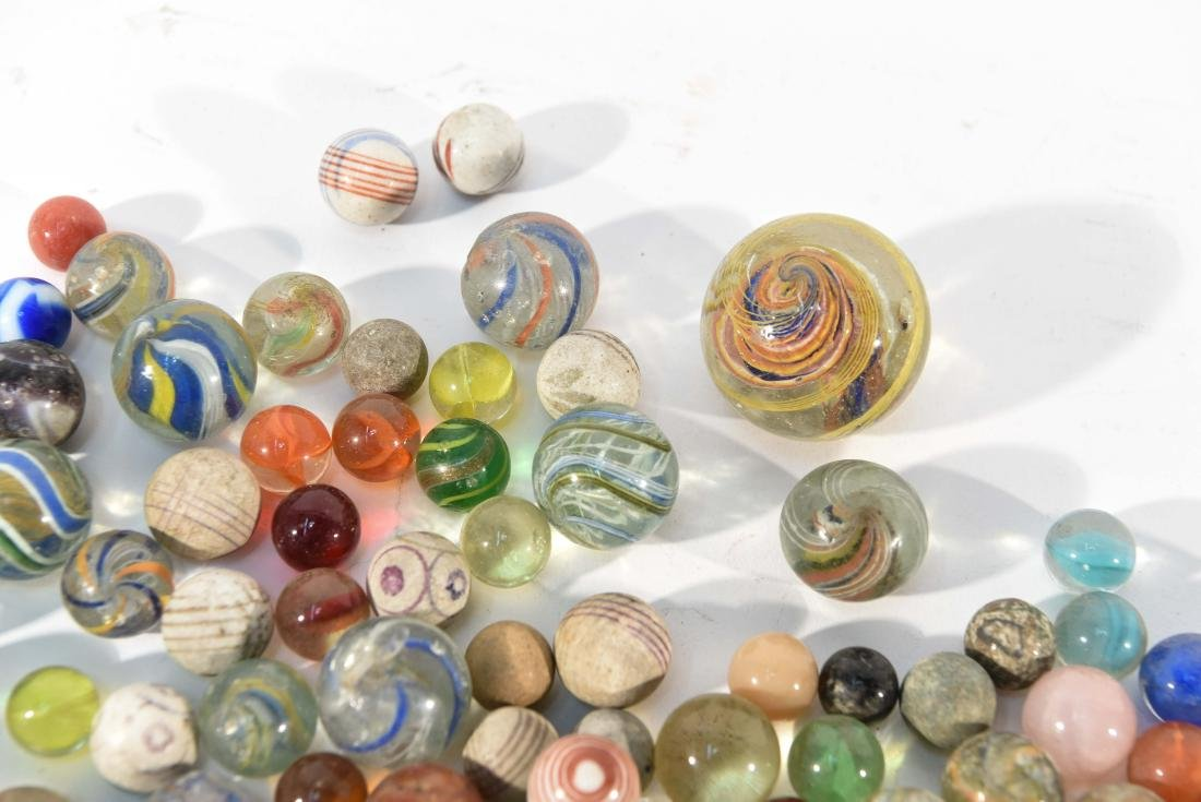 COLLECTION OF VINTAGE & ANITQUE MARBLES - 6