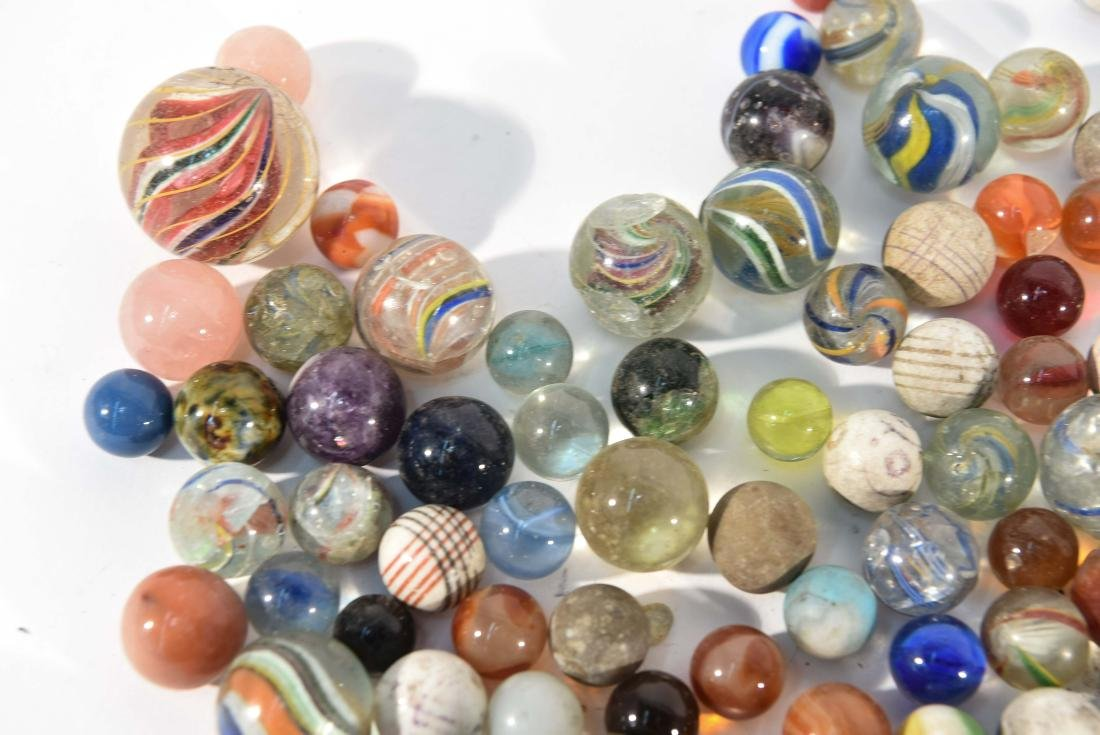 COLLECTION OF VINTAGE & ANITQUE MARBLES - 7