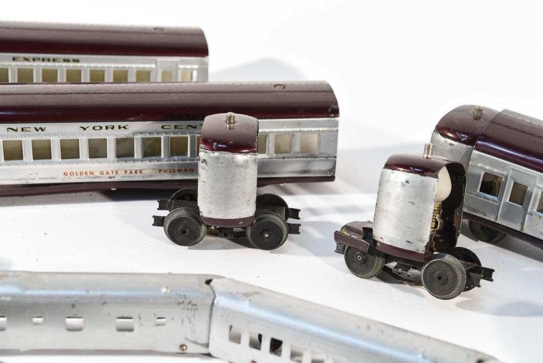 STREAMLINE TOY TRAIN SET, C.1940 - 8