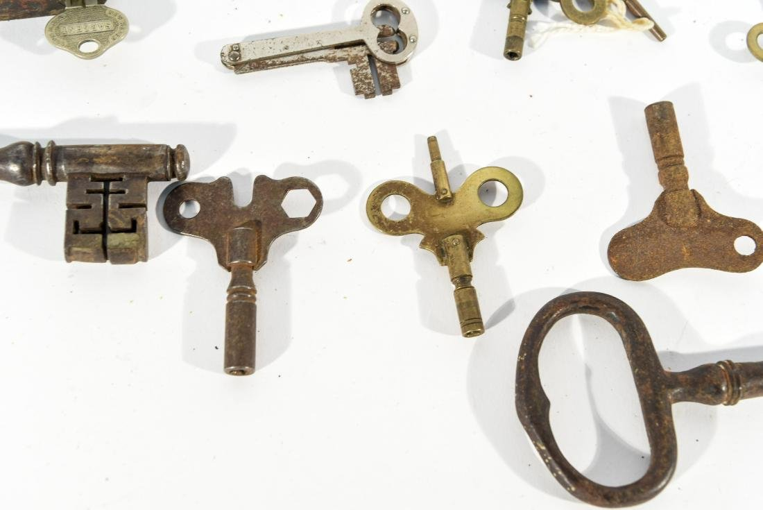 GROUPING OF LOCKS AND KEYS - 3