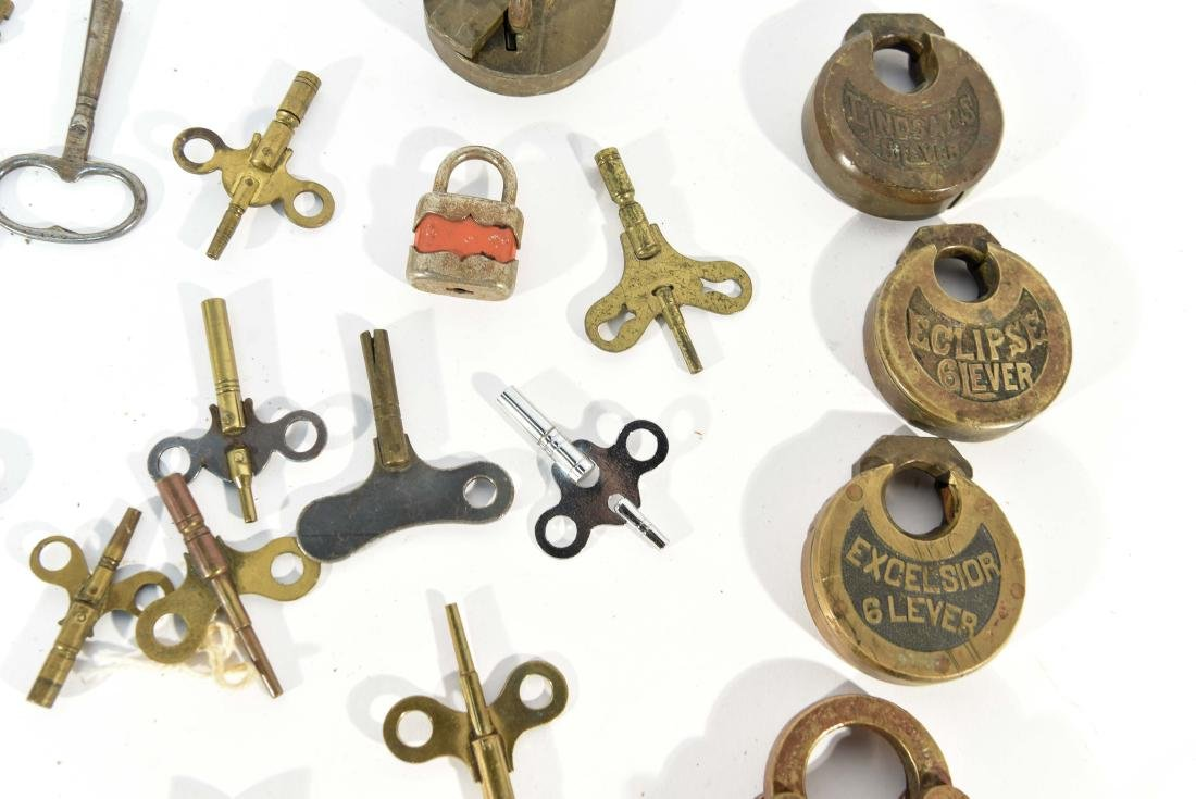 GROUPING OF LOCKS AND KEYS - 5