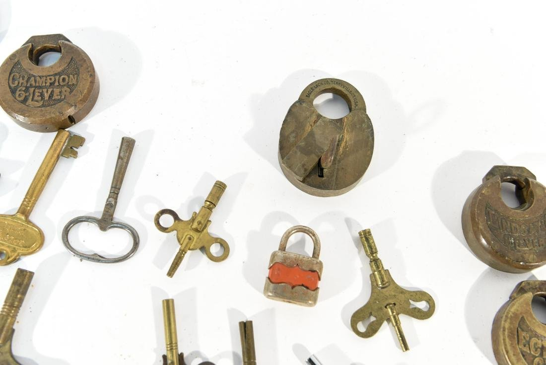 GROUPING OF LOCKS AND KEYS - 6